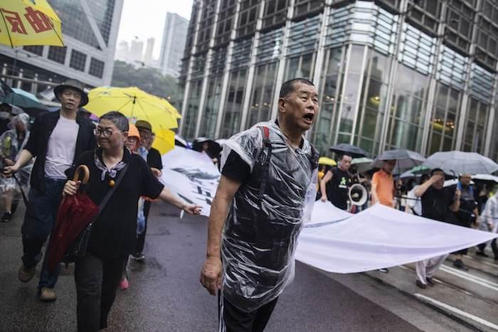 香港の民主主義支持者の逮捕を非難した米英政府や機関に中国が反論
